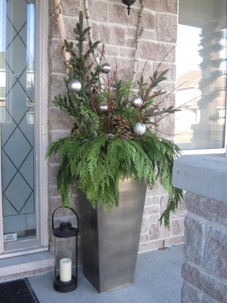 13-christmas-porch-decoration-ideas-homebnc.jpg