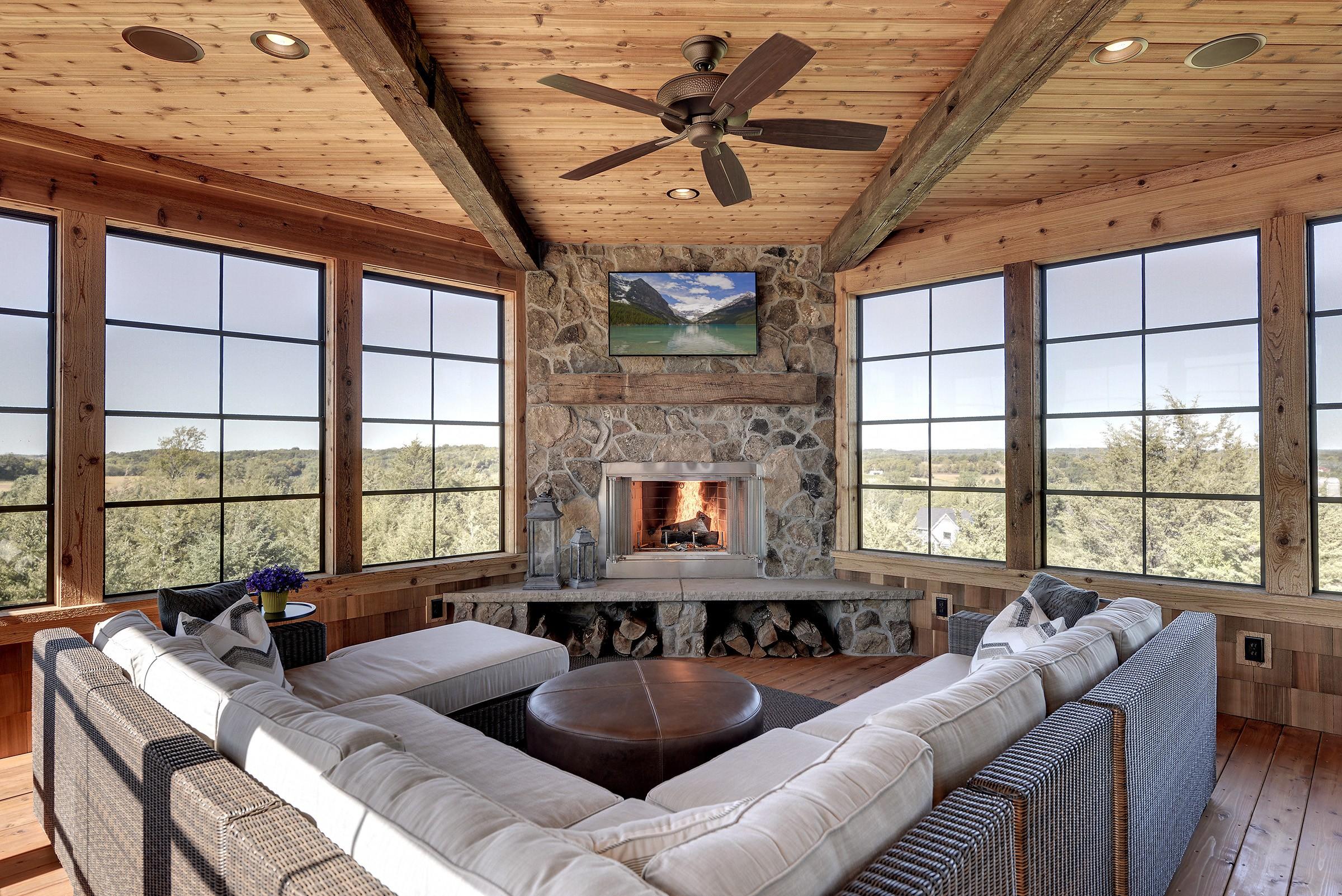 Cabin Room Porch (21).jpg